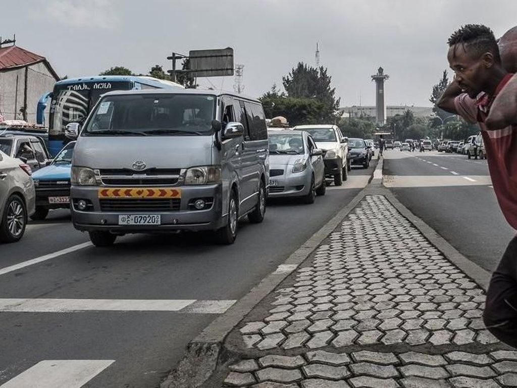 Addis Ababa di Ethiopia Resmi Berlakukan Larangan Sepeda Motor