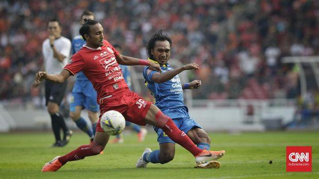Laga Persija vs Persib berakhir imbang 1-1. (