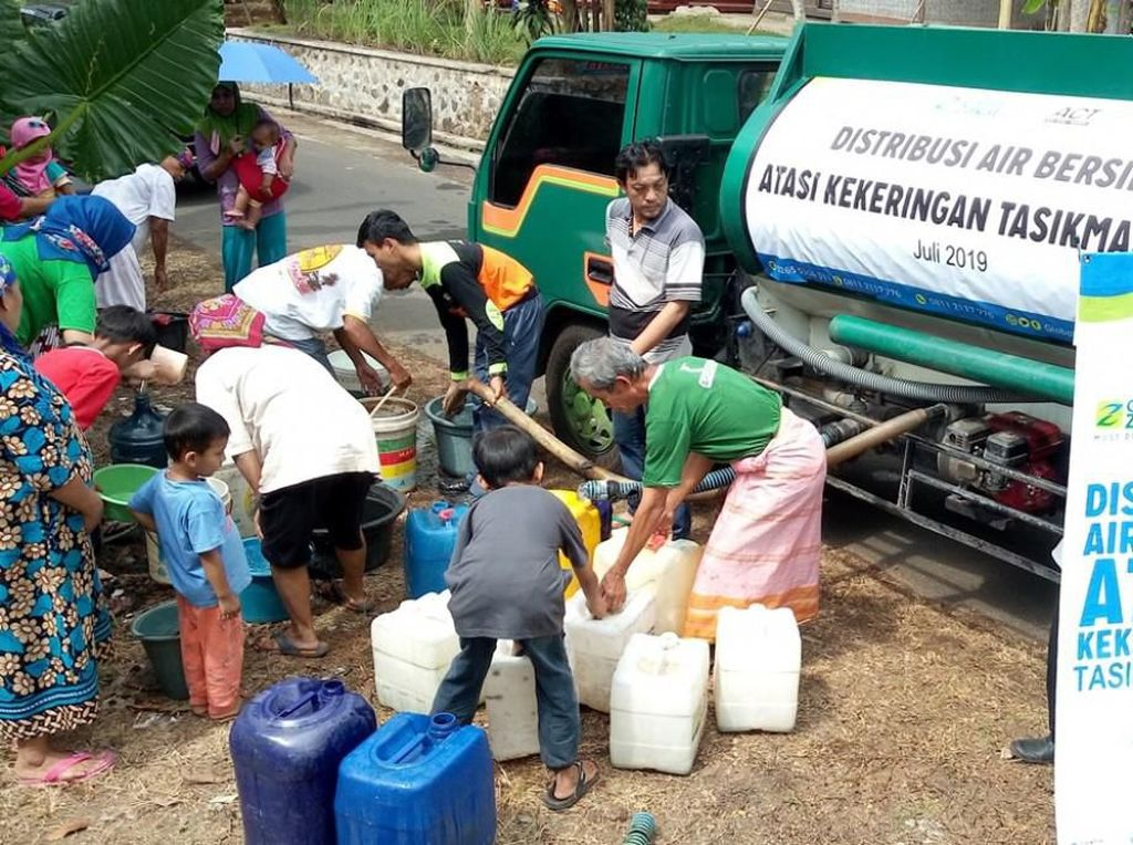 Bantu Kekeringan di Tasikmalaya, ACT Distribusikan 25.000 Liter Air