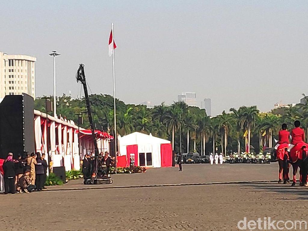 Jokowi Anugerahkan Bintang Bhayangkara Nararya ke 4 Personel Polri