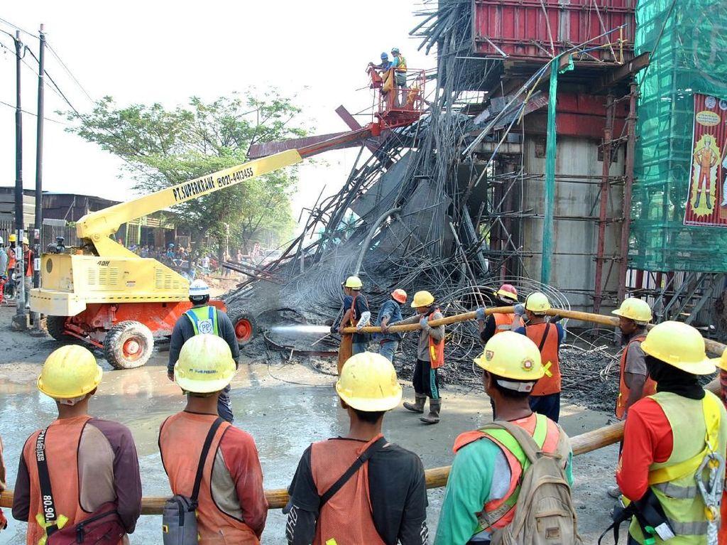 PUPR Selidiki Penyebab Cor Beton Proyek Tol Lingkar Bogor Ambrol