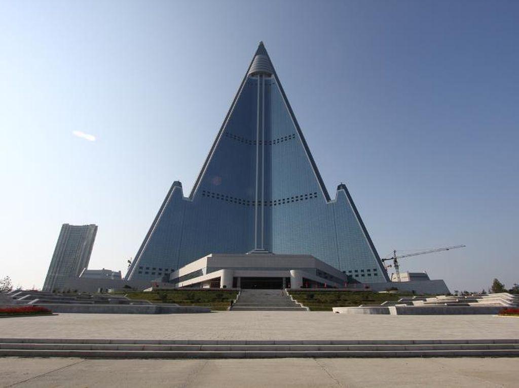 Foto: Hotel di Korea Utara yang Tak Pernah Selesai