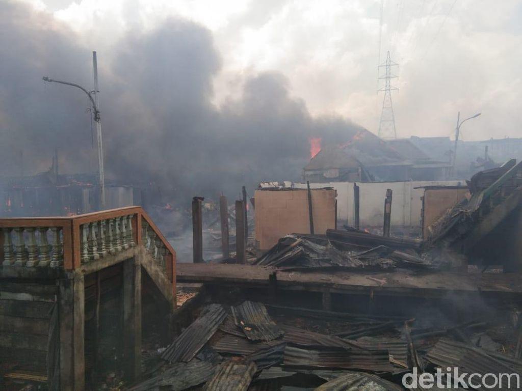 8 Rumah di Permukiman Kertapati Palembang Terbakar