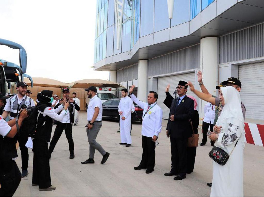 Saudi Sambut Meriah Kloter Jemaah Haji Fast Track