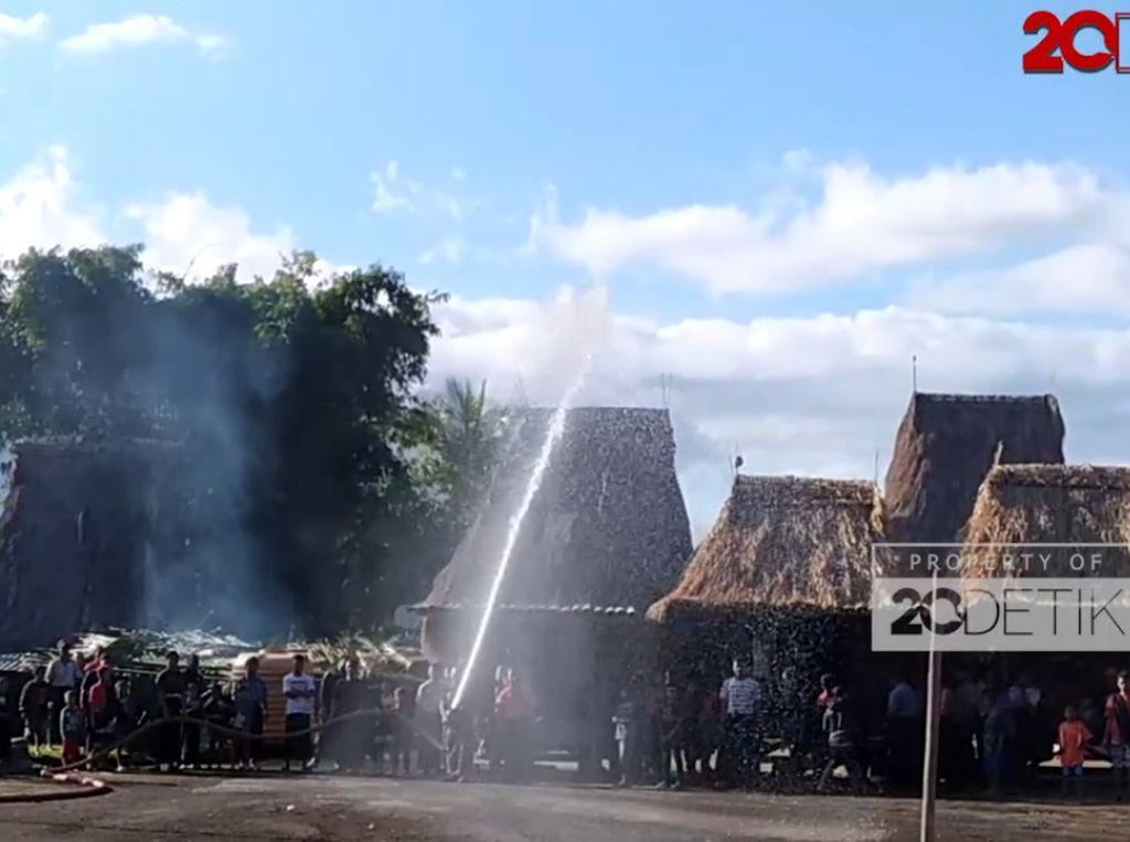 Keunikan Kampung Adat Tololela di Ngada NTT