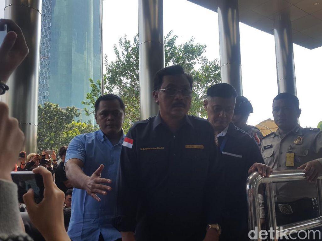 Kena OTT, Gubernur Kepri Tiba di Gedung KPK