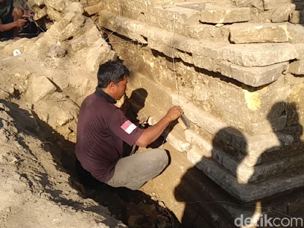 Bangunan Mirip Stupa Ditemukan di Situs Candi Patakan Lamongan