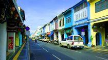 Jelajah Asia Tenggara Hingga Ketinggalan Bus ke Malaysia