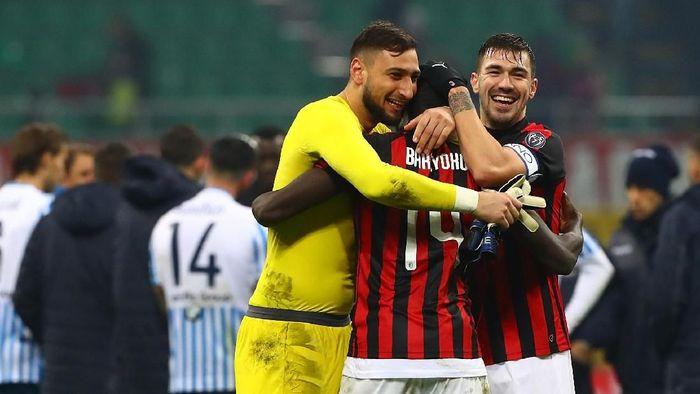 Gianluigi Donnarumma terpacu dengan kegagalan AC Milan finis empat besar di 2018/2019. (Foto: Marco Luzzani / Getty Images)