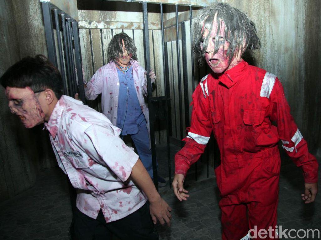 Serem! Siapa Berani Perang Lawan Zombie di Trans Studio Cibubur?