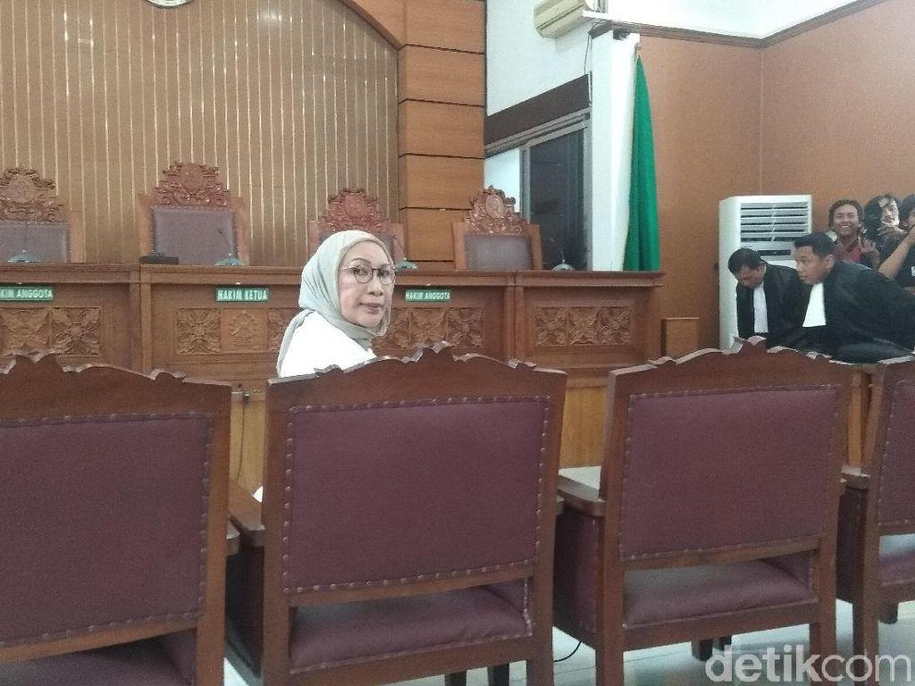 Anak Berharap Hakim Berikan Vonis Bebas ke Ratna Sarumpaet