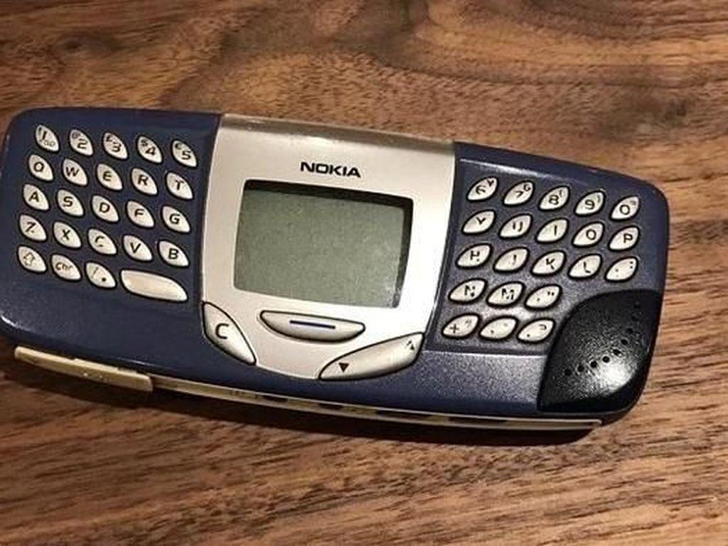 Deretan Ponsel Aneh Nokia Sampai BlackBerry