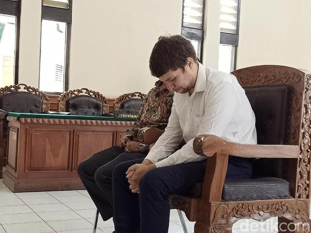 Andrei Zhetkov Penyelundup Orang Utan Divonis 1 Tahun Bui