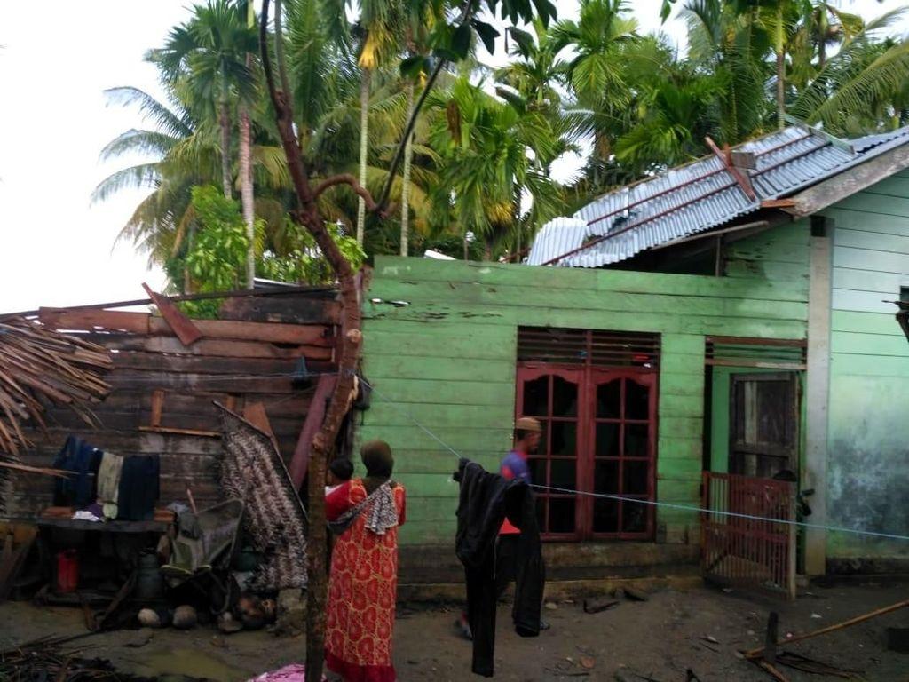 Hujan-Angin Kencang Hantam 4 Kecamatan di Bireuen Aceh, 12 Rumah Rusak
