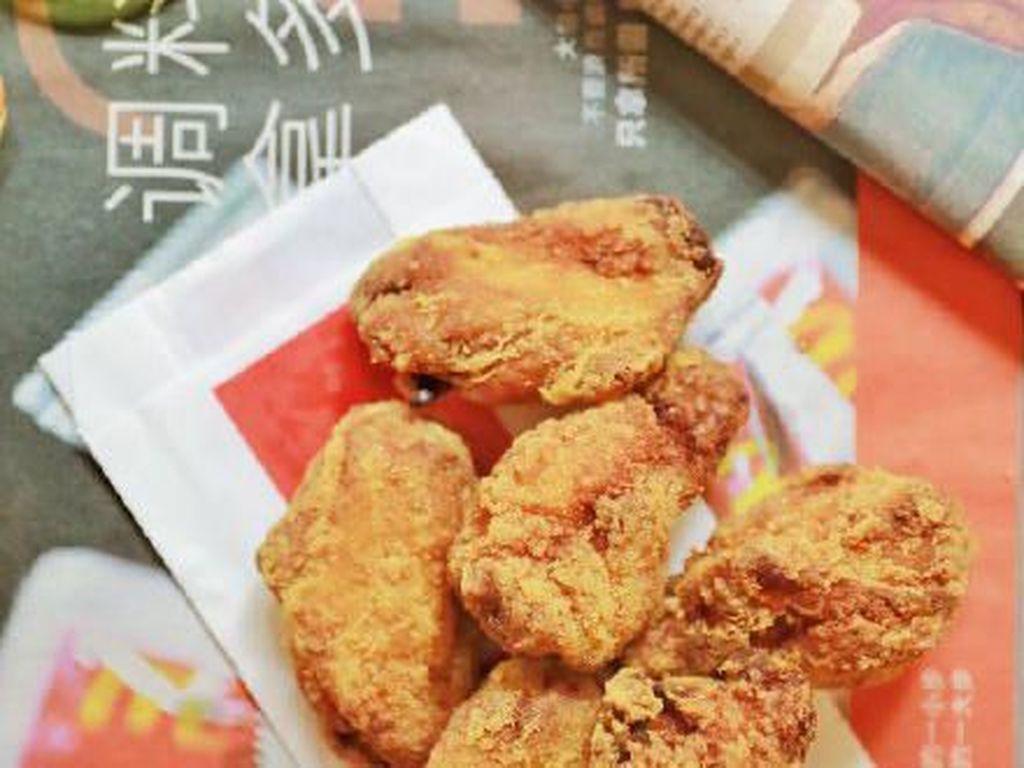 Gerai Fast Food Ini Hadirkan Sayap Ayam Goreng Cola, Gimana Rasanya?