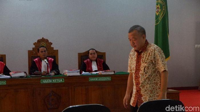 Johar Lin Eng divonis 21 bulan penjara. (Uje Hartono/detikSport)