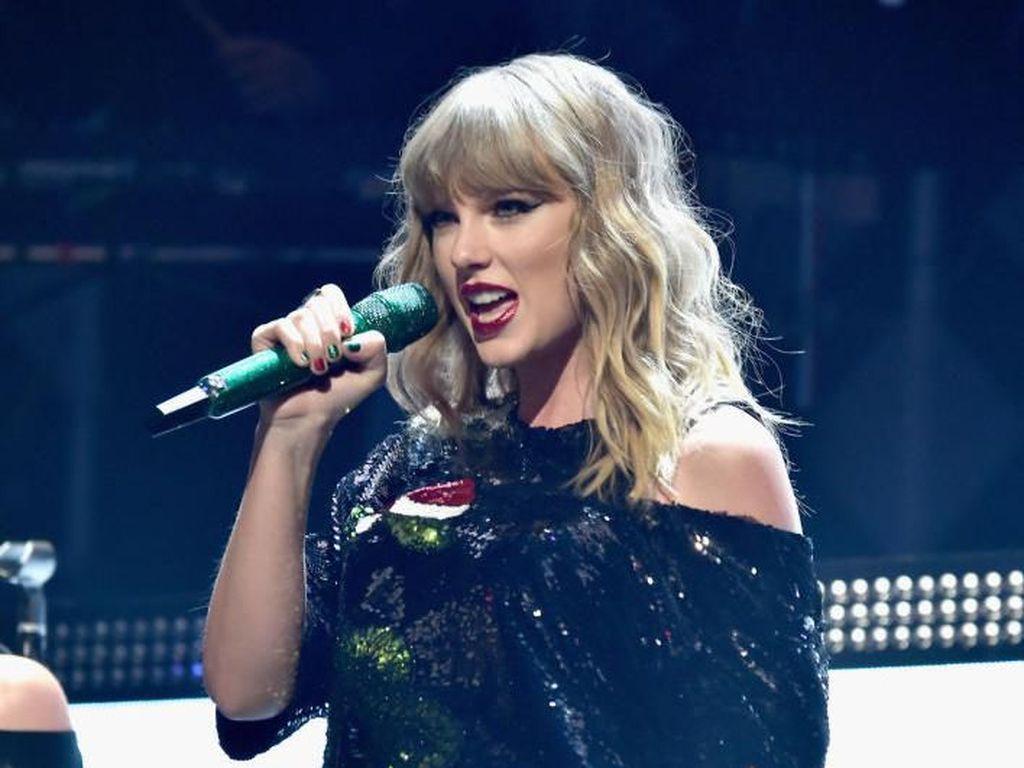 Akhirnya, Taylor Swift Kantongi Izin Nyanyikan Lagu Lamanya