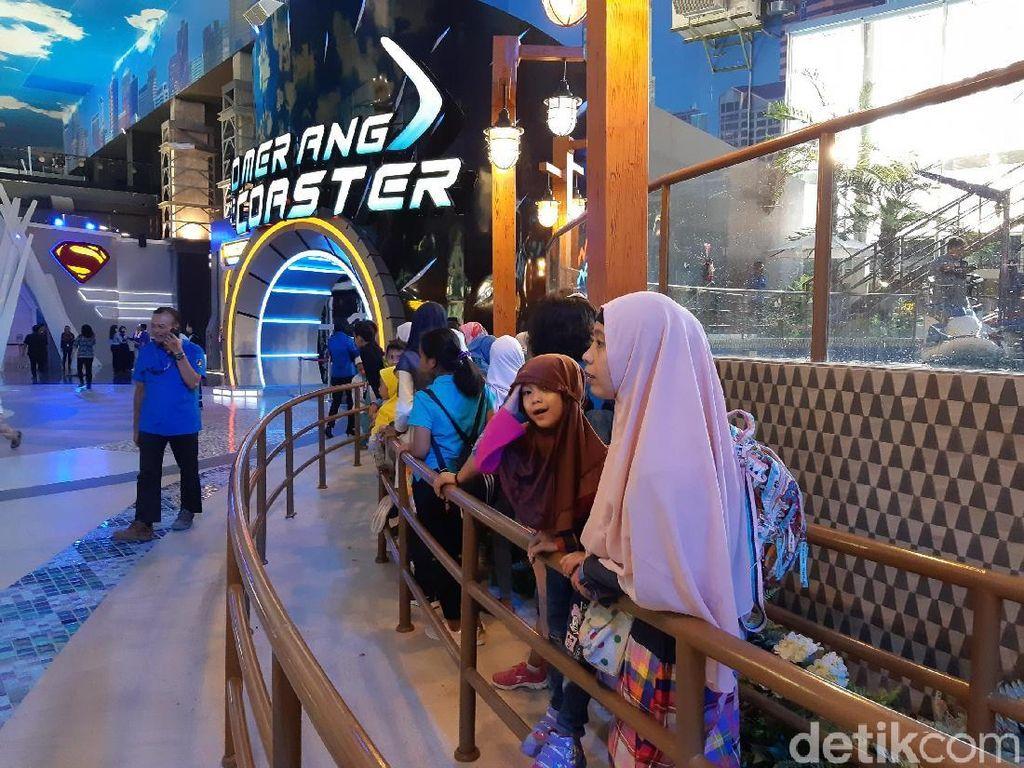 Suka Cita Para Pengunjung Perdana Trans Studio Jakarta di Cibubur