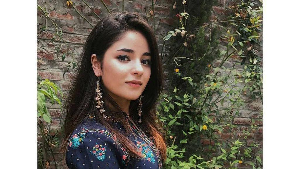 Gaya Memesona Aktris Cantik yang Pensiun dari Bollywood karena Agama