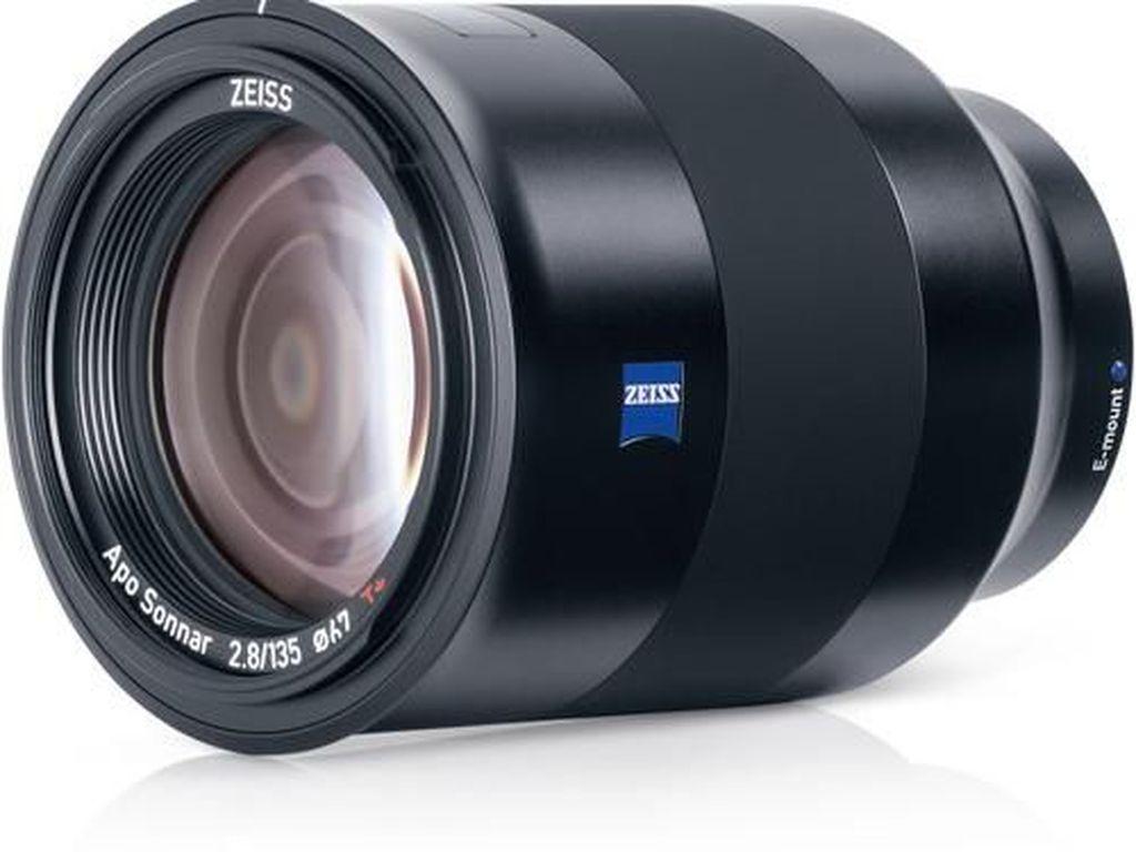 Lensa Zeiss Batis 135mm f/2.8 Ringan dan Praktis