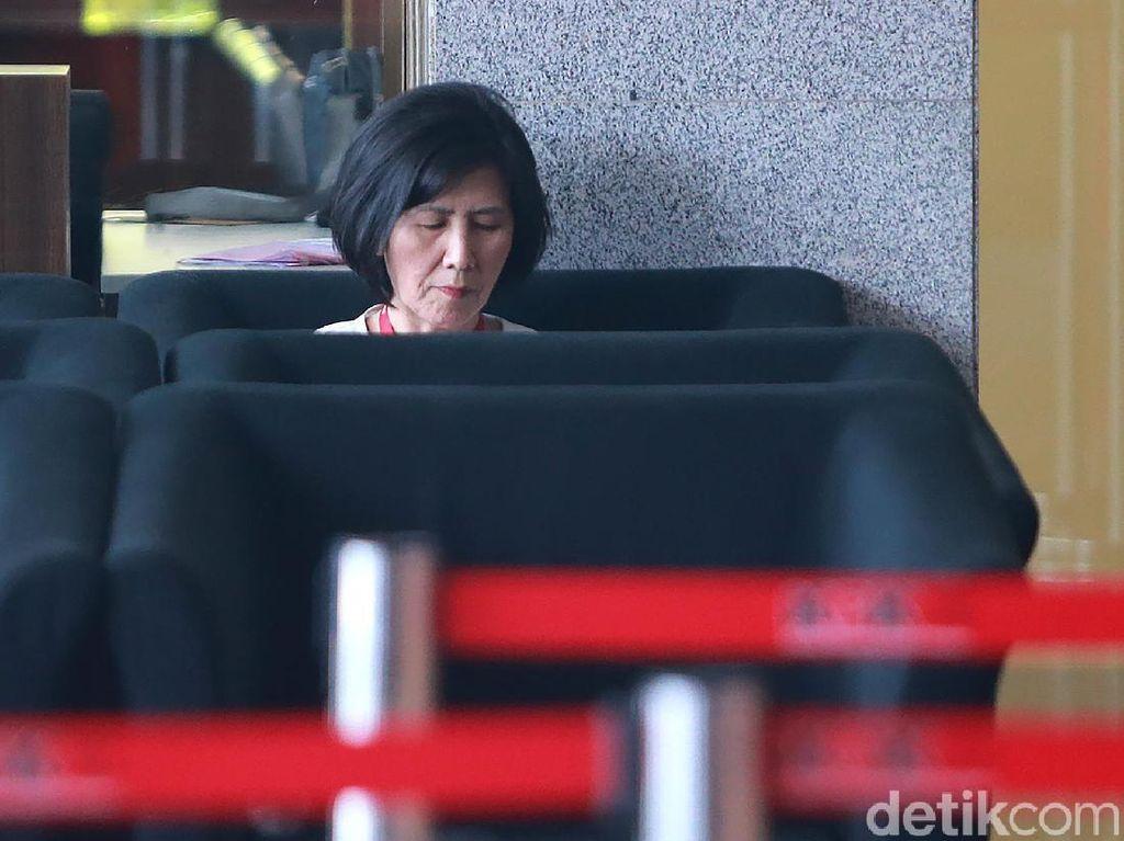 Sallyawati Rahardja Diperiksa KPK untuk Kasus Emirsyah Satar