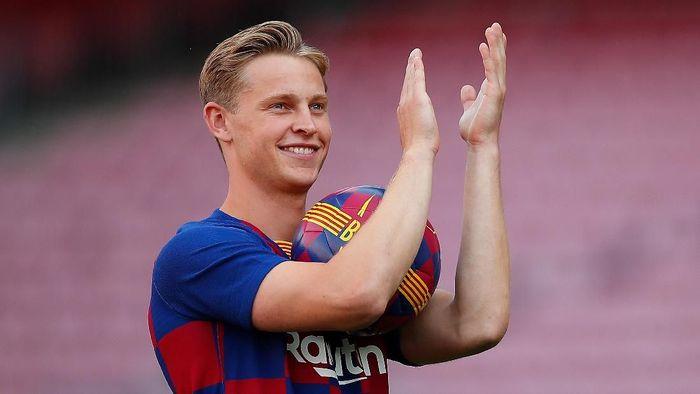 Frenkie De Jong, rekrutan baru Barcelona musim panas ini. (Foto: Eric Alonso/Getty Images)