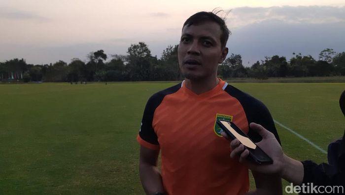 Asisten pelatih Persebaya, Bejo Sugiantoro (Ristu Hanafi/detikSport)