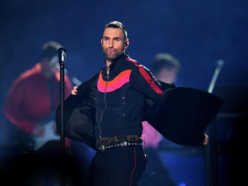 Bikin Fans Chile Tersinggung saat Manggung, Adam Levine Minta Maaf