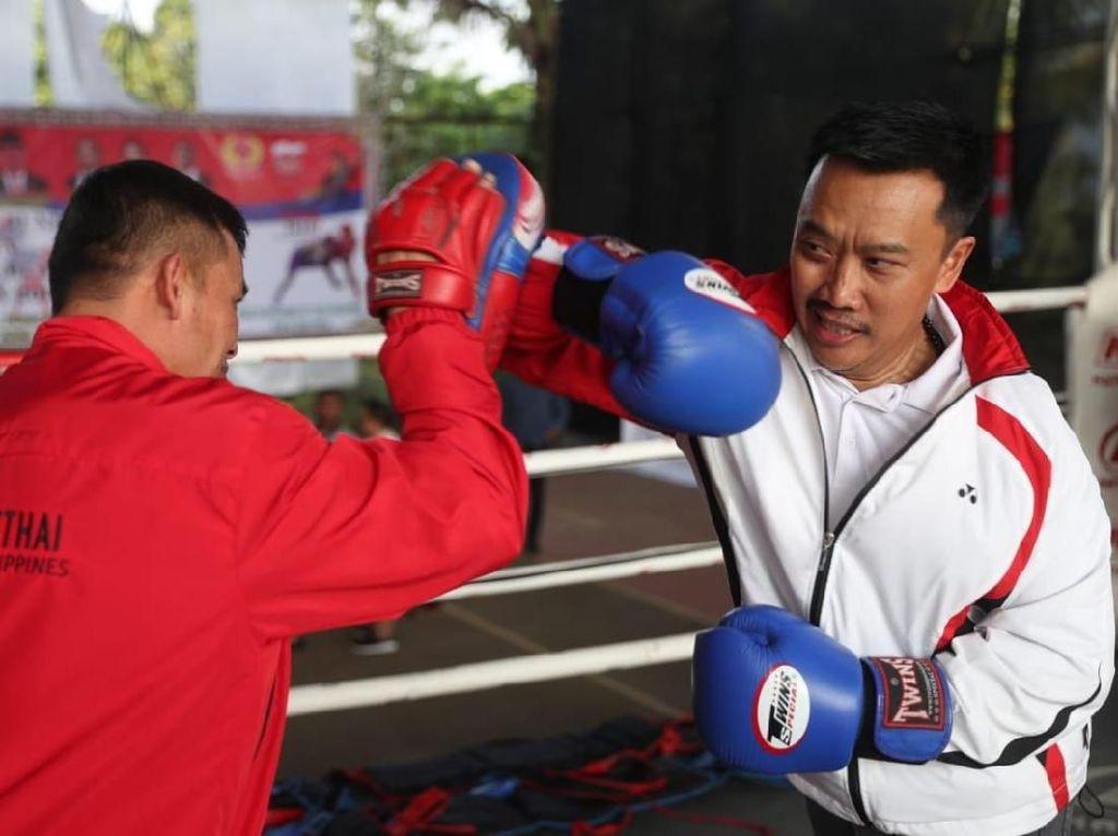 Tinjau Latihan Muay Thai, Menpora Minta Atlet Fokus SEA Games