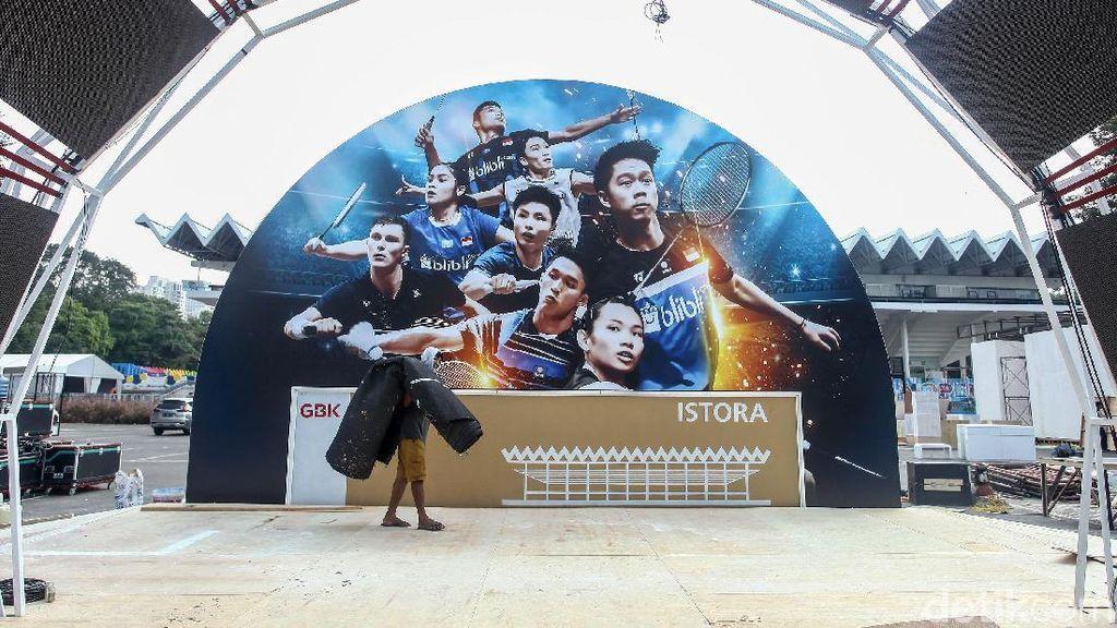 Mengintip Kesibukan di Istora Jelang Indonesia Open 2019