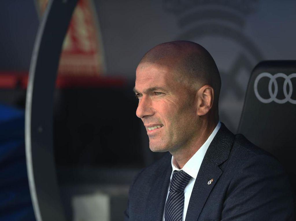Zidane Tinggalkan Tur Pramusim Madrid, Ada Apa?