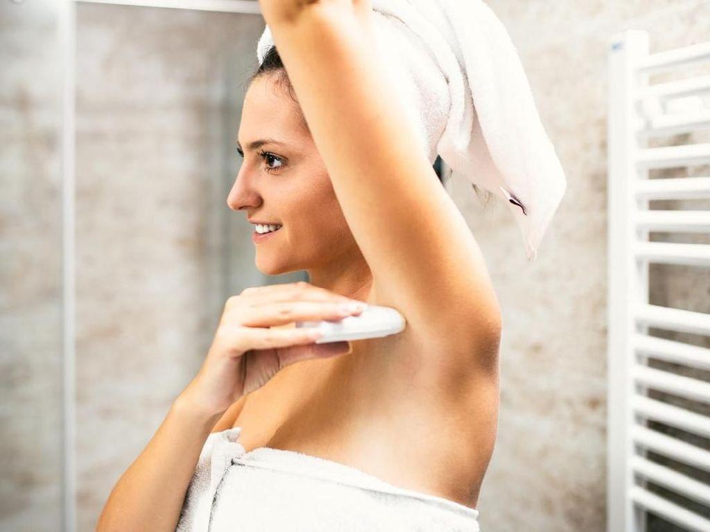 11 Cara Mengurangi Keringat Berlebih dengan Alami