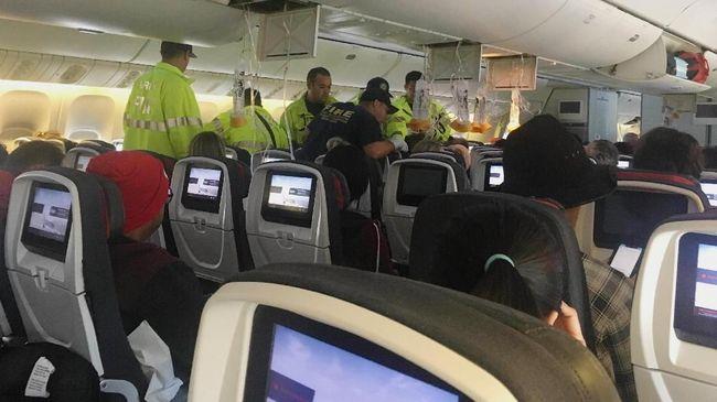 Berita Air Canada Alami Turbulensi dan Mendarat Darurat, 35 Orang Luka-luka Minggu 21 Juli 2019