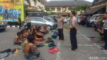 Bawa Senjata Tajam, Puluhan Bonek Diamankan Polisi di Yogya
