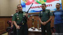 6 Senapan Serbu Sisa Konflik Aceh Diserahkan ke TNI