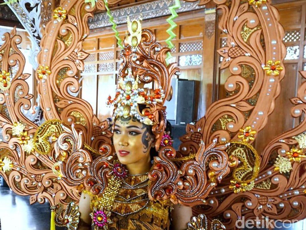 Solo Batik Carnival 2019 Hadirkan Karakter Khas 11 Negara ASEAN