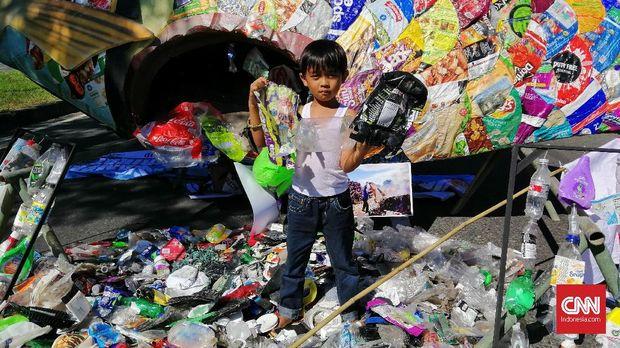 Protes Sampah Impor, Anak-anak di Jawa Timur Surati Trump