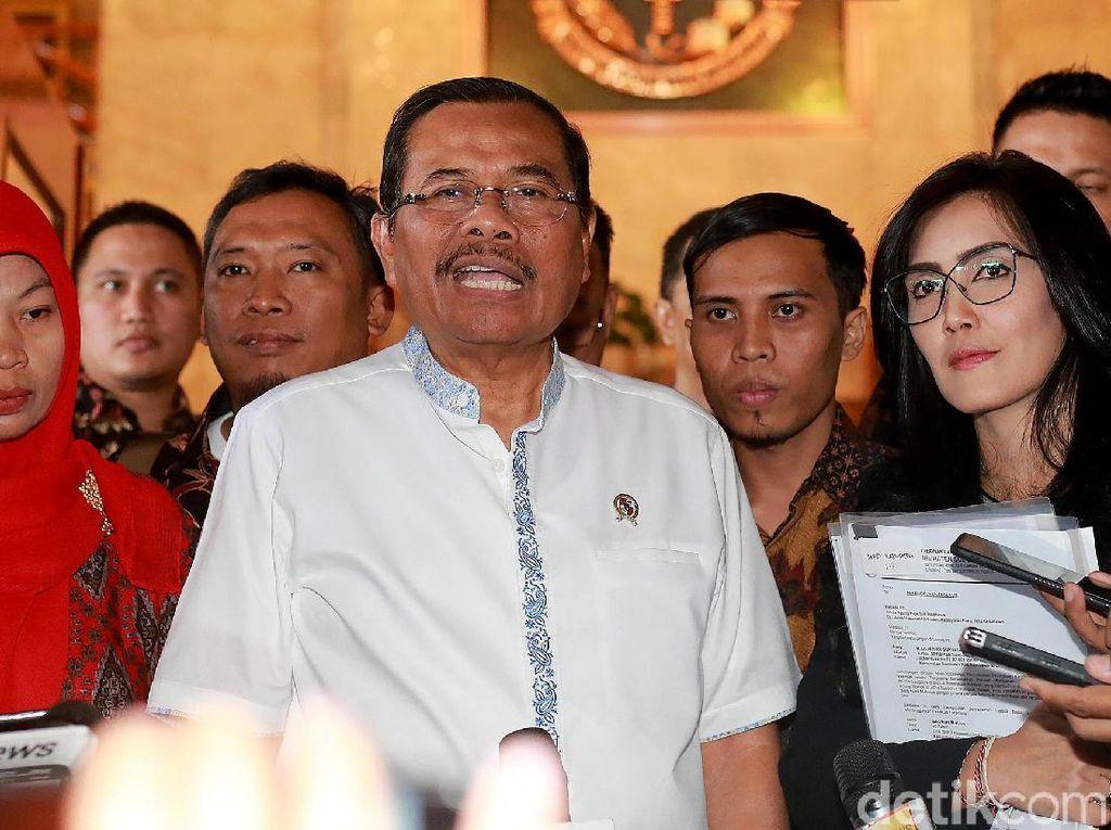 Alasan Jaksa Agung Tunda Eksekusi Baiq Nuril