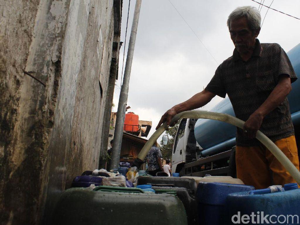 Hampir Sebulan 8 Wilayah di Kota Cimahi Krisis Air Bersih
