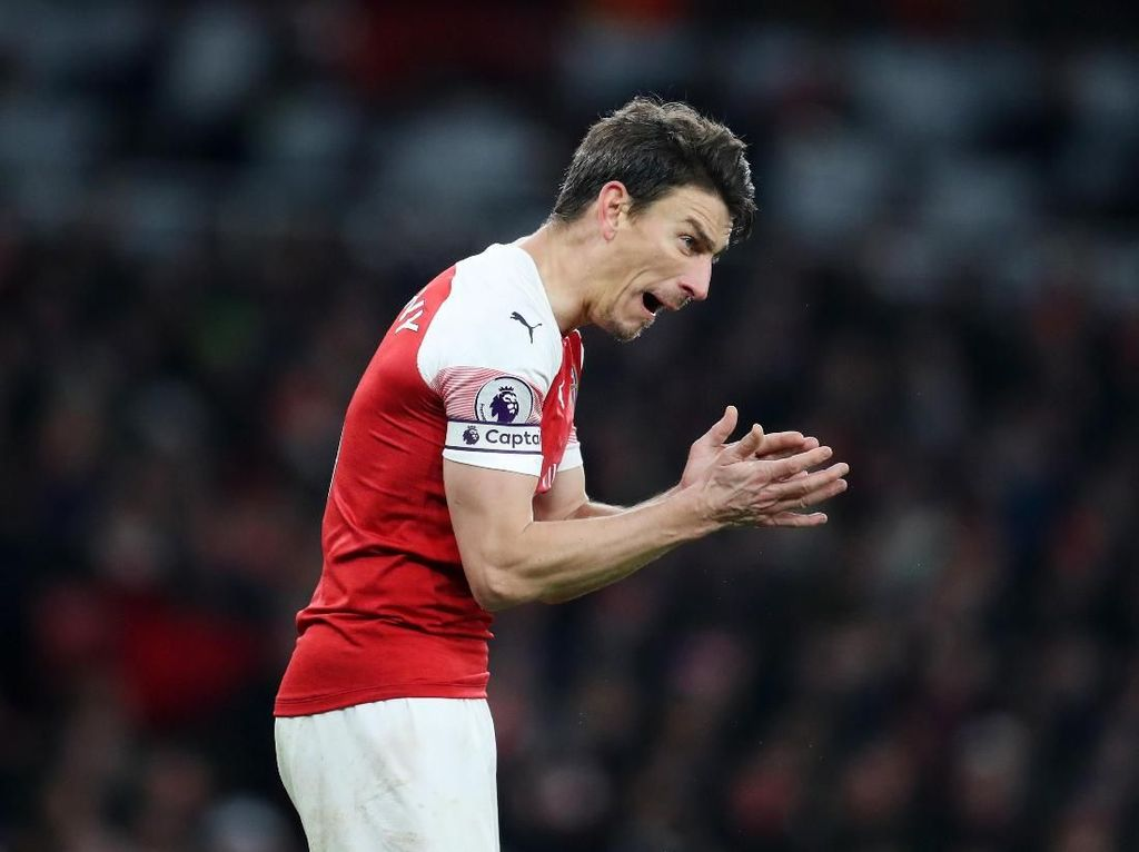 Kapten Arsenal Dulu Garang, Sekarang?