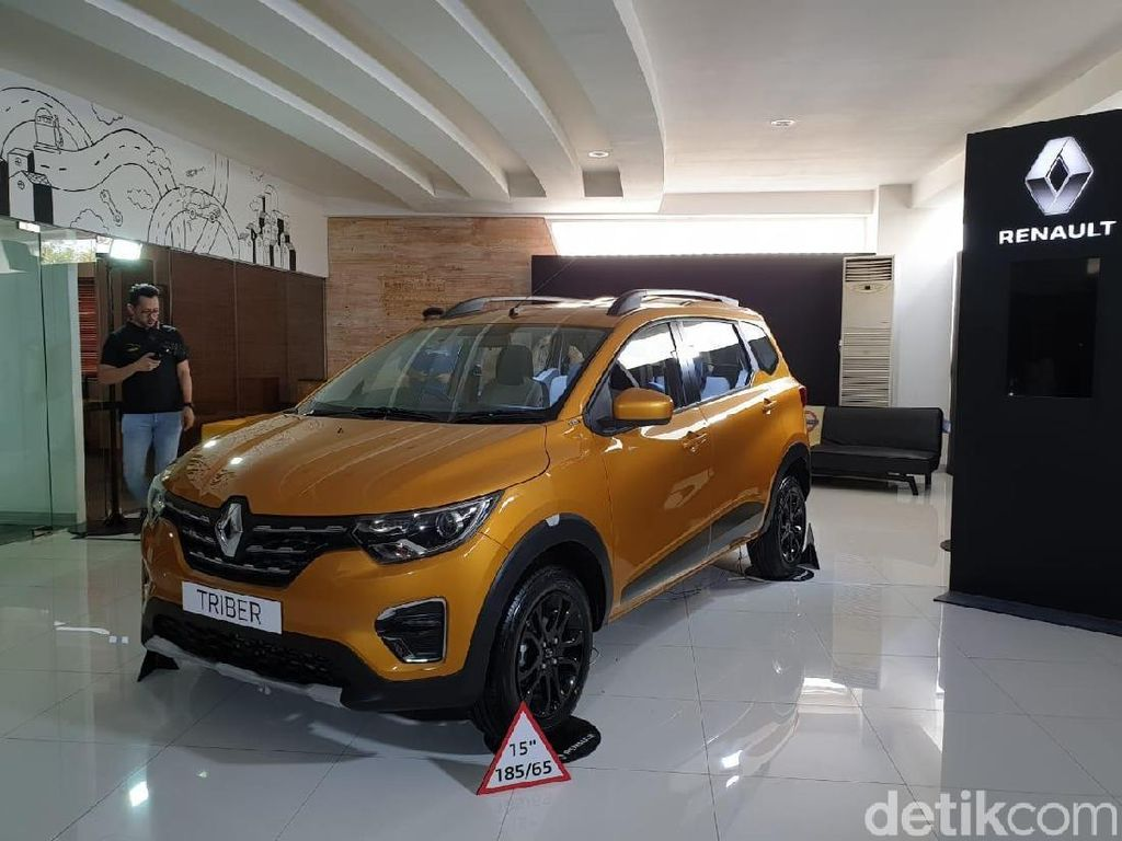 Alasan Renault Triber Belum Keluar Banderol Resmi