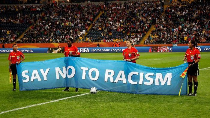 FIFA memperketat untuk memberantas masalah rasialisme di sepakbola. (Foto: Friedemann Vogel/Getty Images)