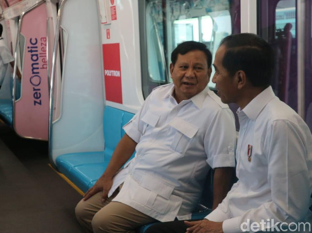 Pertama Kali Naik MRT, Prabowo: Terima Kasih Pak Jokowi