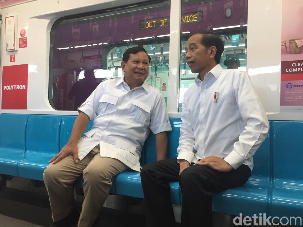 Momen Jokowi-Prabowo Bertemu, Naik MRT hingga Makan Siang Bersama
