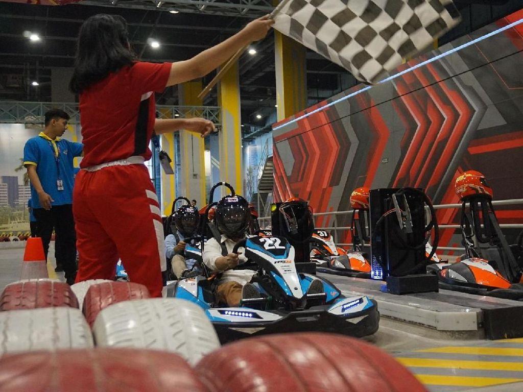Mau Jadi Jagoan F1? Coba Wahana Formula Kart di Trans Studio Cibubur