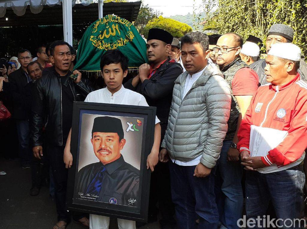Suasana Pemakaman Mantan Bupati Bandung Barat