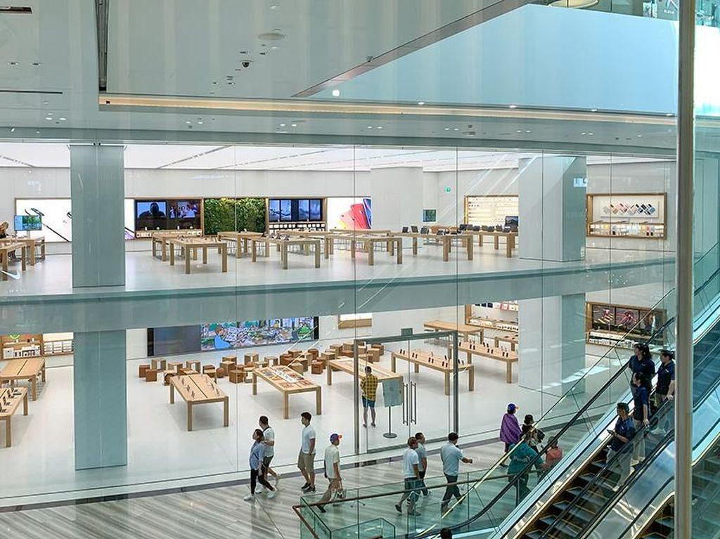 Penampakan Apple Store di Bandara Changi
