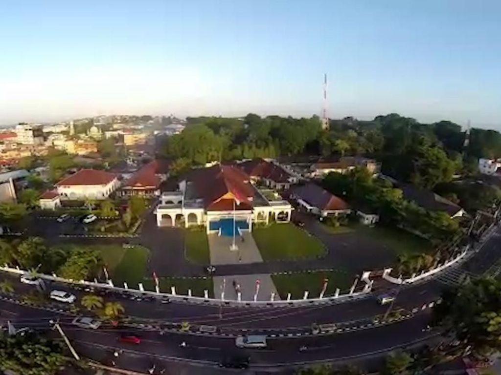 Melihat dari Langit saat KPK Geledah Rumah Dinas Gubernur Kepri