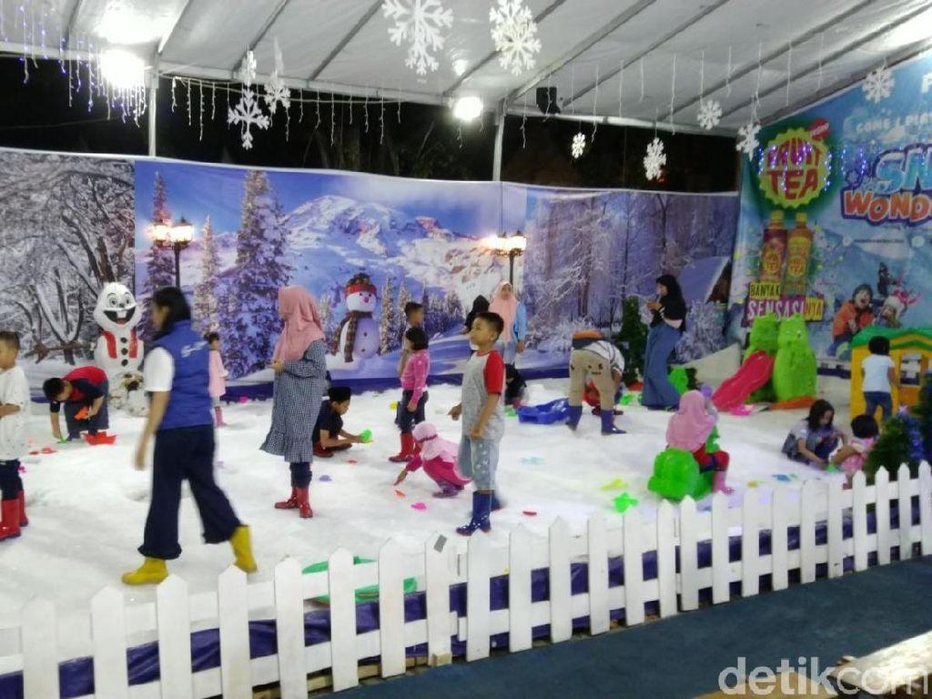 Akhir Pekan Ini Semarang Punya Salju Lho!