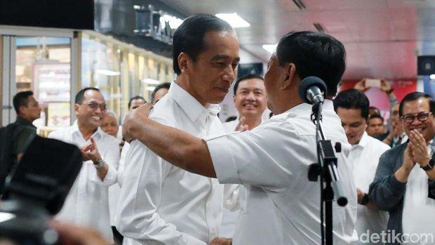 Pertemuan Prabowo dan Jokowi.